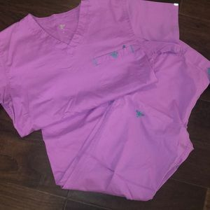 Good used condition MED Couture pink scrubs XS